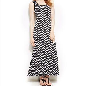 CALVIN KLEIN Black & White Maxi Dress Size 8 M11